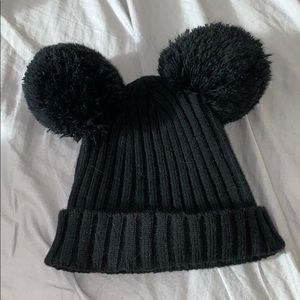DISNEY black beanie with mickey ears